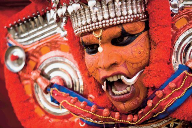 L'Inde en fête : Theyyam et Chetikulangara Bharani