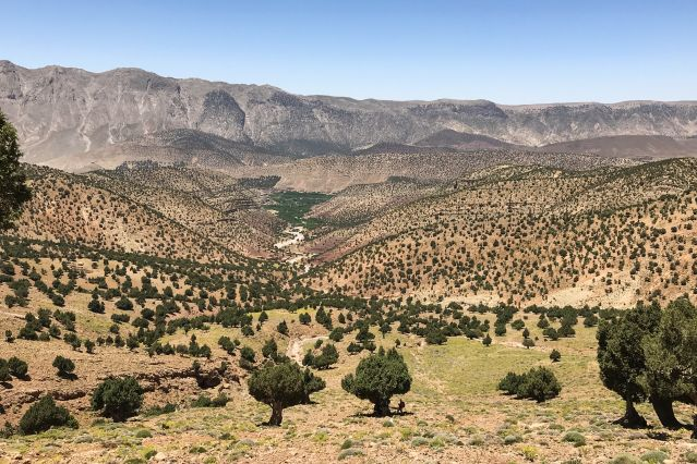 Descente vers la vallée des Bougmez - Maroc