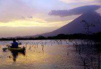 Volcans, lacs et joyaux coloniaux