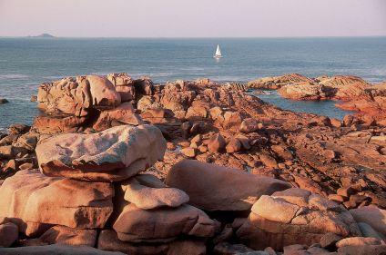 La côte de Granit Rose en deux roues
