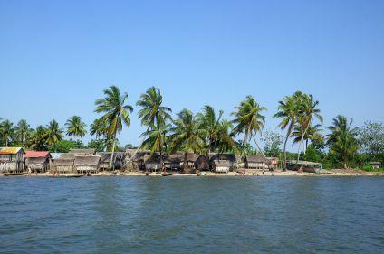 Hauts plateaux, navigation pangalane et lodges de brousse