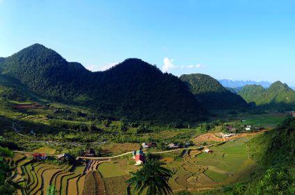 Baie d'Halong et tribus du Tonkin